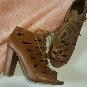 Lace up staked heel booties size 7